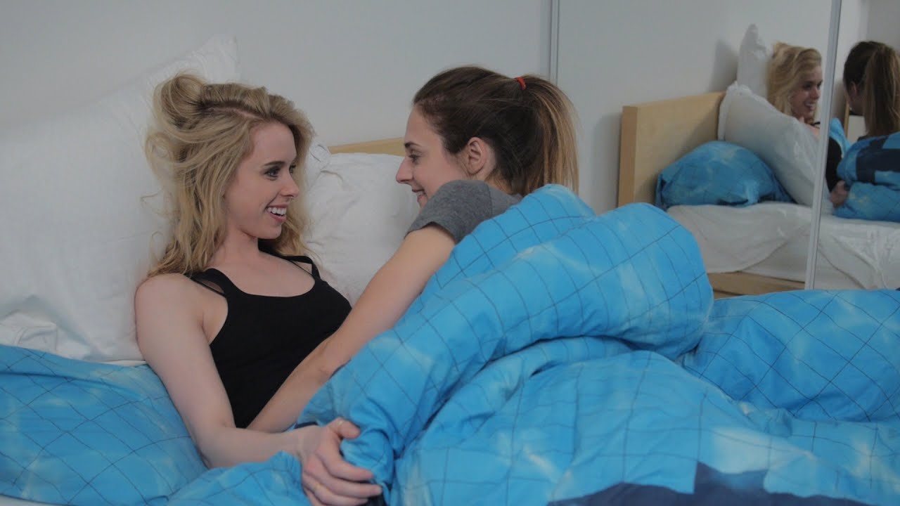 bed sex on lesbian a