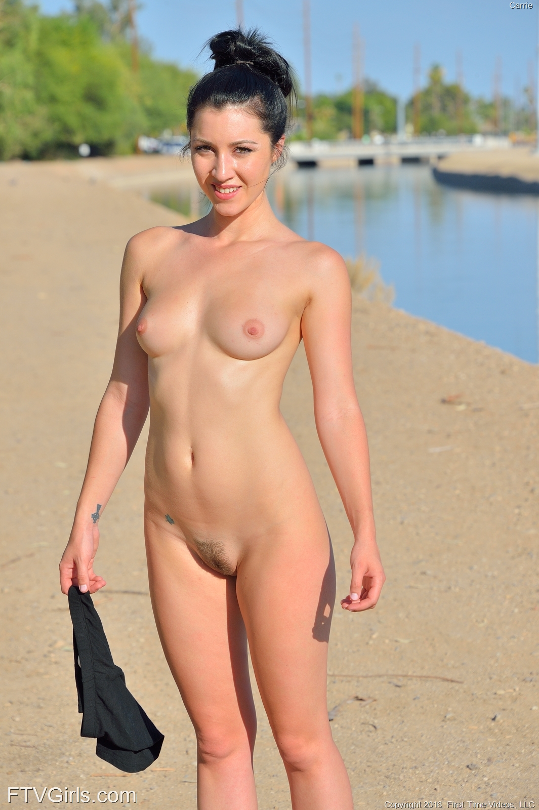 jogging naked girls