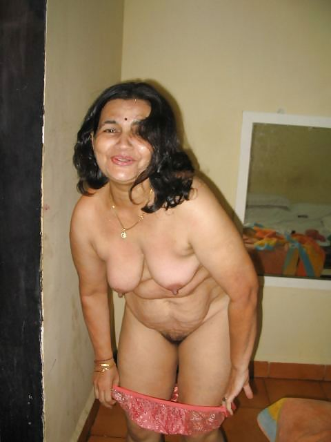 bared boobs in tits aunty pussy