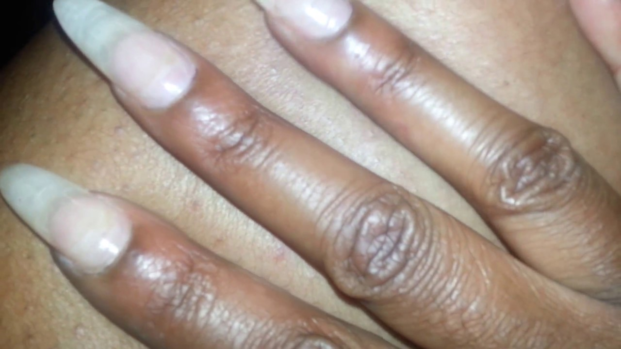 nails fetish finger