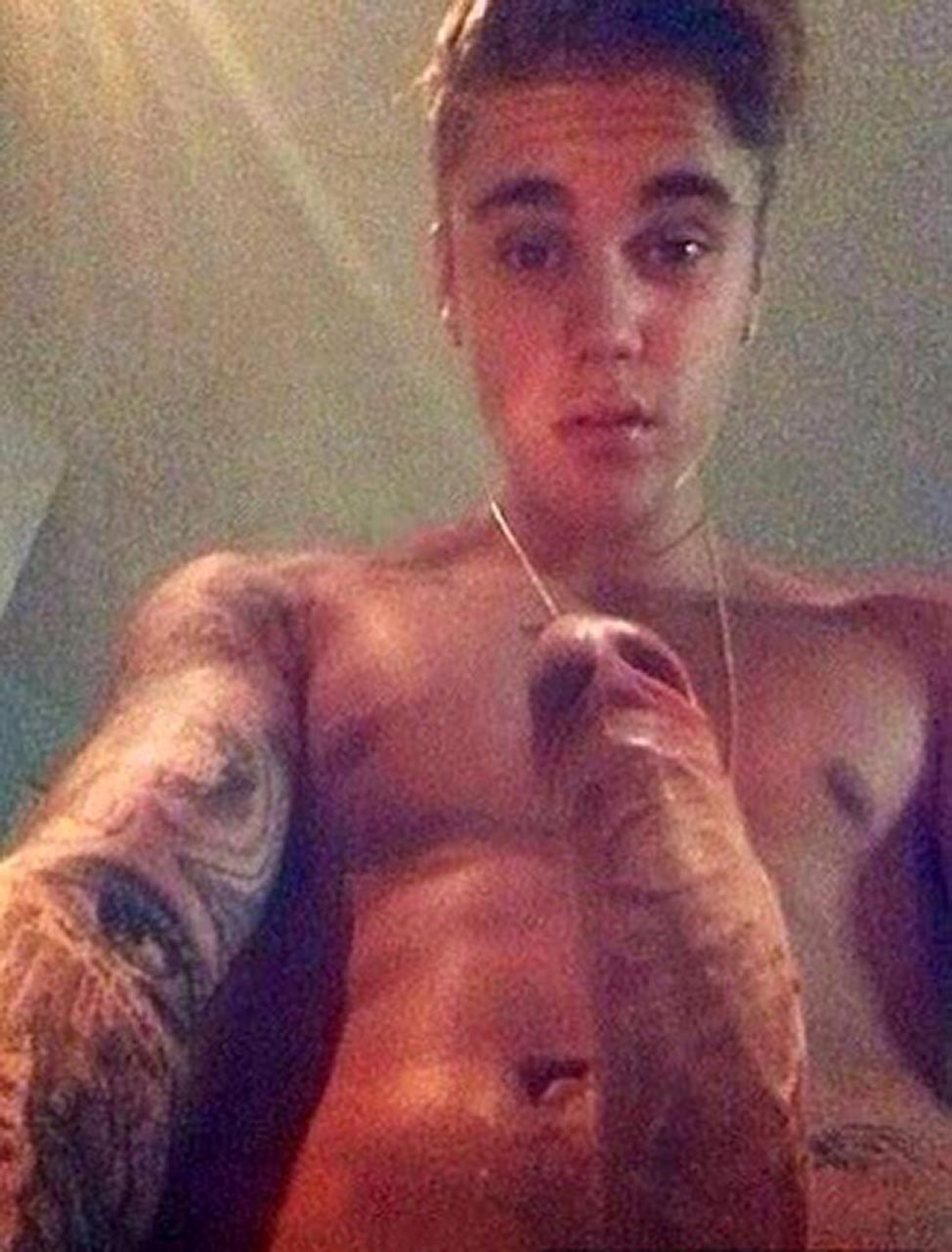 in bieber nude the justin